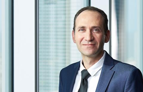 אמיר ונג | שותף וראש תחום תחרות ורגולציה במחלקת תעשייה ורגולציה