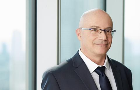 עופר רביד   שותף, ראש מחלקת דיני עבודה ורילוקיישן